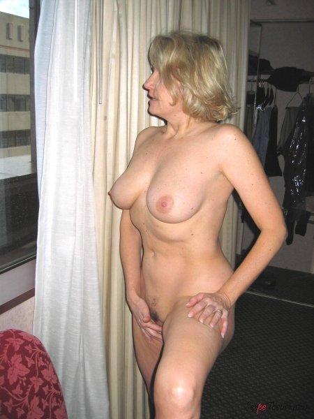 частное фото женщины в возрасте голые