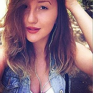 Lory93 21 ani Bihor - Matrimoniale Pomezeu - Bihor
