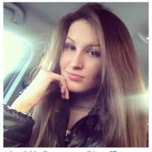 Adelinutzzza 23 ani Vrancea - Anunturi matrimoniale cu fete si femei singure
