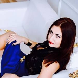 Martinas 24 ani Dambovita - Matrimoniale Malu-cu-flori - Dambovita
