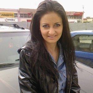 Tania37