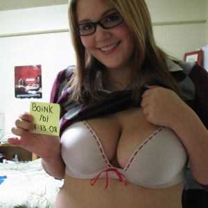 Taysya 25 ani Dambovita - Femei divortate pe facebook din Bezdead - Prostituate Pe Bani Bezdead