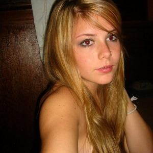 Melady 20 ani Ialomita - Prostituate din Ciochina - Femei Virgine Ciochina