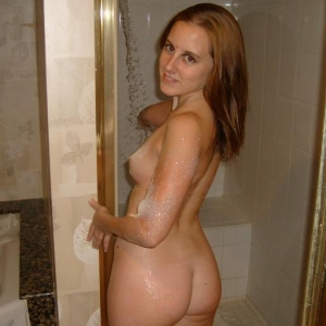 Uso - Escorte Nana - Femei mature care fac sex cu animale Nana