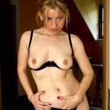 nadia-elena