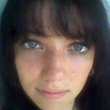 julieta-blueyes