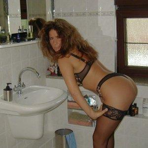 Mynaa - Curve Geaca - Femei singure 35 45 ani