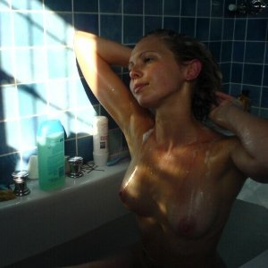 Ady_creata2010 - Fete singure Copacel - Femei sex oral