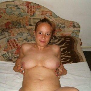 Simona131 - Curve Cartisoara - Caut fete singure pentru relatie serioasa