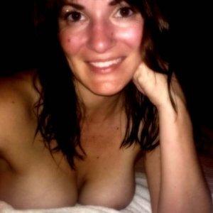 Dalia - Curve Gura Vaii - Fete nude