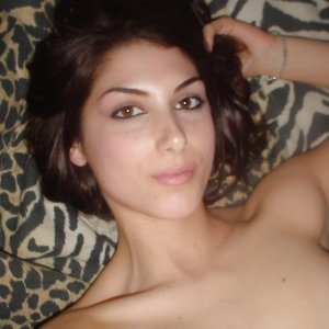 Georgiana23 - Fete Comanesti - Tinder romania