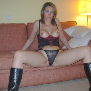 Laura272 - Escorte Florica - Femei mature care vor sex