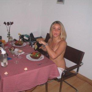 Dali - Escorte Bosorod - Femei casatorite sex