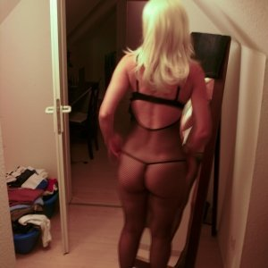Crystiina 28 ani Olt - Escorte Olt - Profile femei din Olt