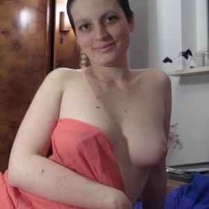 Matilda76 - Fete singure Pasarea - Femei de la tara care vor sa se marite