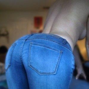 Vickyy - Curve Gogosu - Escorte online