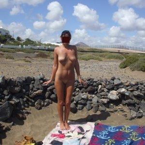 Laura_frumusik_1989 - Fete husi - Adrese de facebook a fetelor care vor futute pentru bani focsani