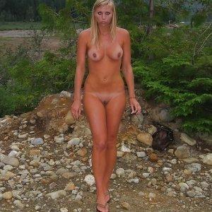 Sehia 23 ani Suceava - Escorte Suceava - Femei maritate din Suceava care vor sex