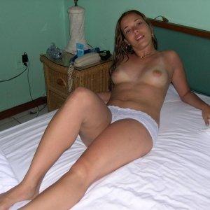 Vicaionela - Fete singure Calatele - Femei care cauta barbati pentru o relatie