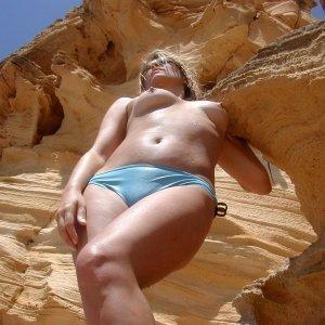 Beibii04 - Curve Negoi - Femei in cautare de casatorie